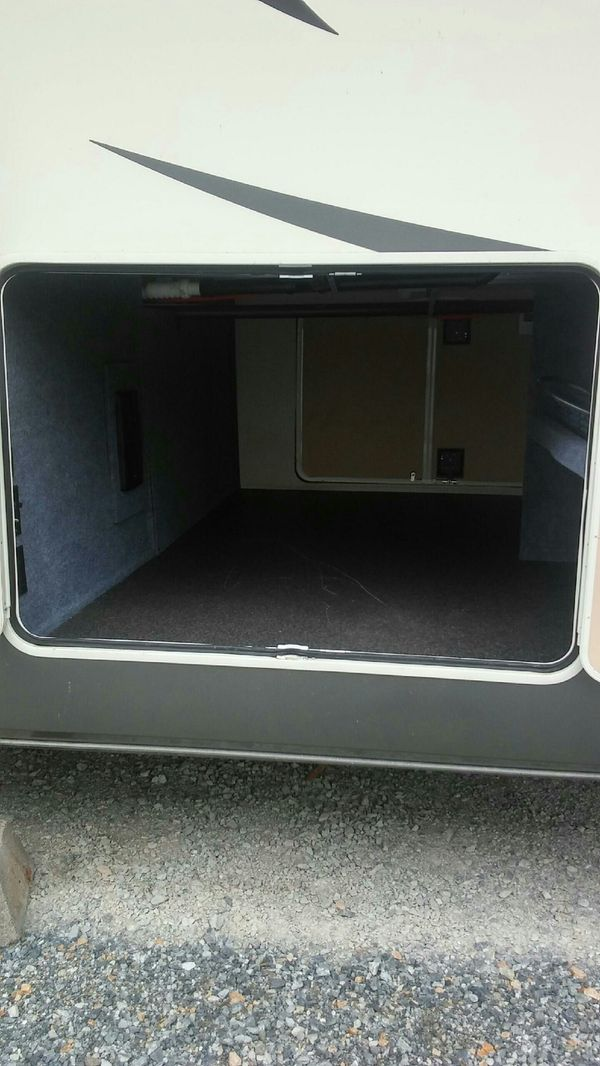 Travel Trailers For Sale Puyallup Wa >> 2016 40ft Bay Hill fifth wheel with 3 tip outs for Sale in Yelm, WA - OfferUp