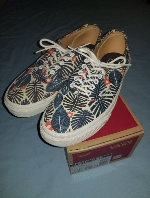 12f28b7732 2 pairs of Vans size 9 in men (Clothing   Shoes) in Avondale