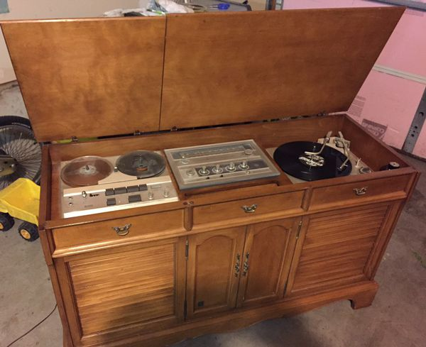 Vintage 1960s Ge Stereo Console W Record Player For Sale