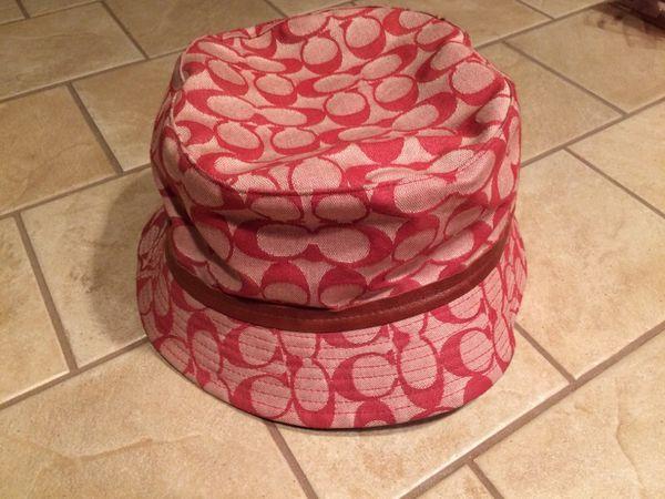 Authentic Coach bucket rain hat for Sale in Lake Stevens a89f10c91b2