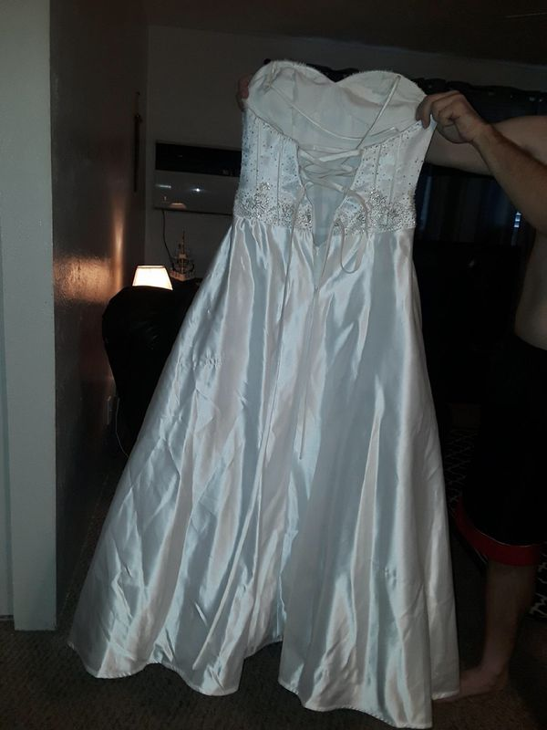 New and Used Wedding dresses for Sale in Lubbock, TX - OfferUp