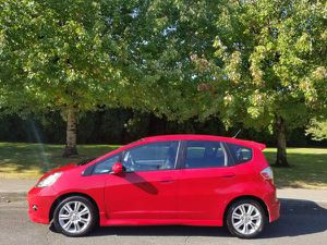 2009 honda fit automatic 4cyl very clean low miles ver for Sale in Portland, OR