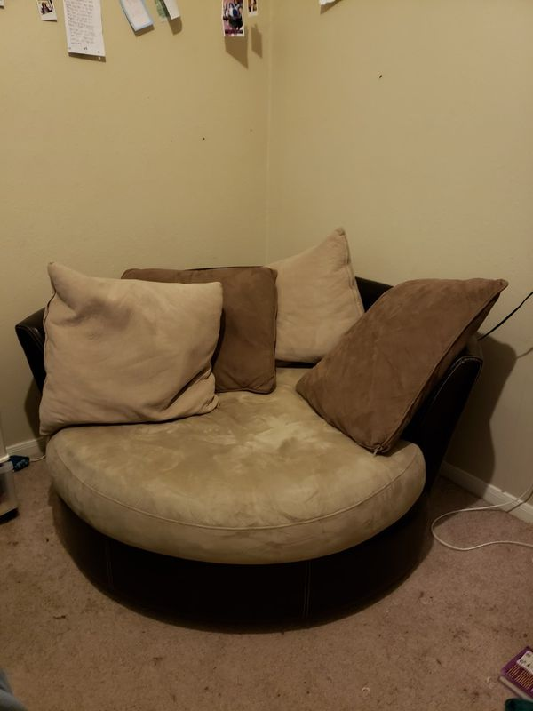 Large Swivel Chair For Sale In Pearland Tx Offerup