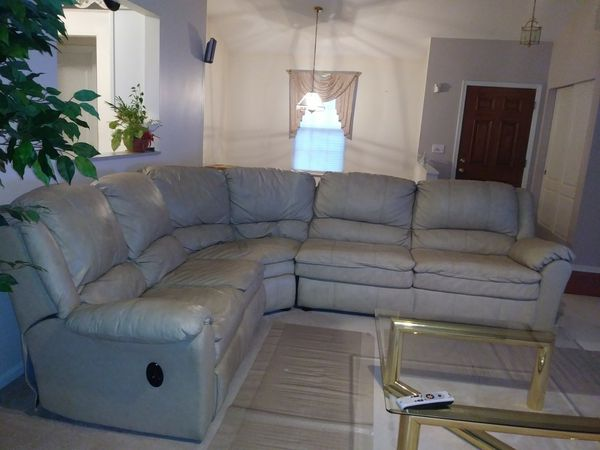 Sealy Genuine Leather Sofa Sectional W Sleeper And Two Recliners Attached