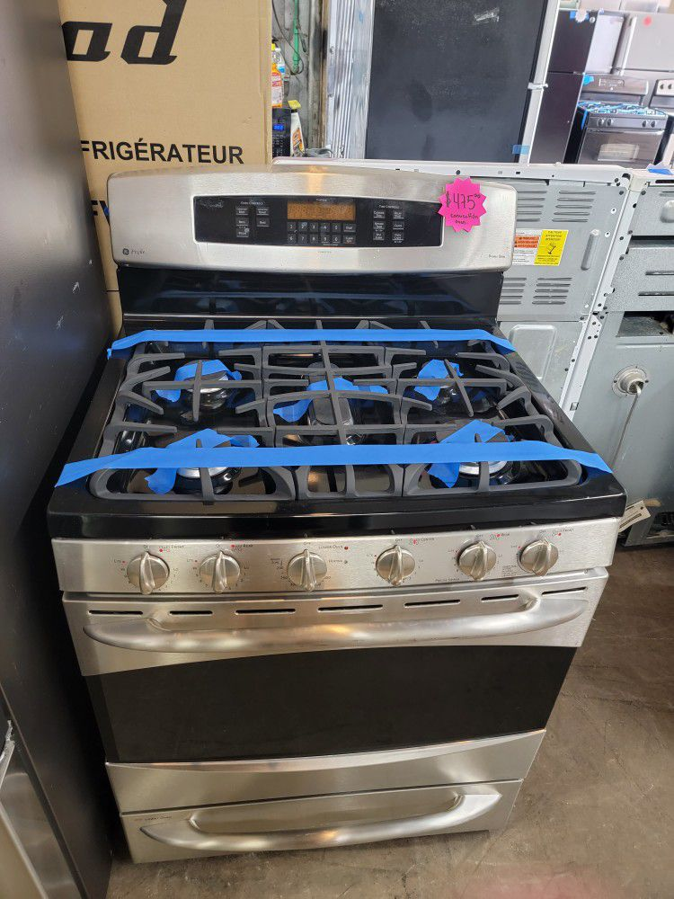 GE Convection Oven Five Burners Gas Stove Stainless Steel Working Perfectly Four Months Warranty