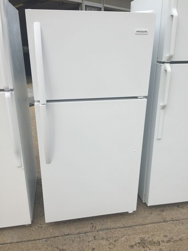 White Refrigerator Apartment Size (FRIGIDAIRE) for Sale in ...