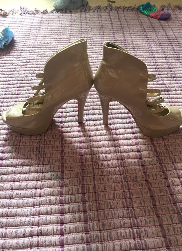 Women's Beige Heels size 7