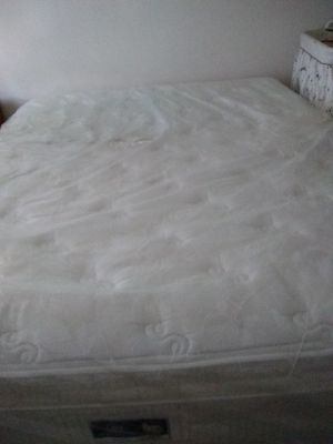 Sertapedic queen bed for Sale in Salem, OR