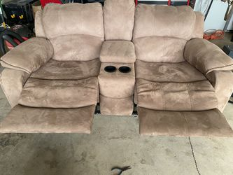 Brand New Love Seat and Sofa Thumbnail