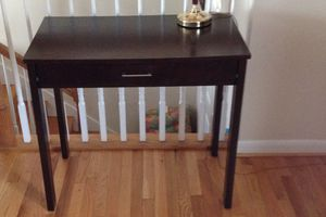 Table - with drawer for Sale in Triangle, VA