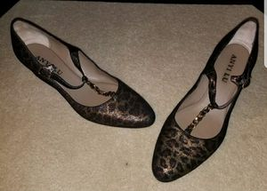 Previously Loved Anyi Lu Leopard Wedge Pump  Gold chain  Size 41 for Sale in Germantown, MD