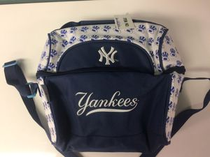 NY Yankees - lunchbox/cooler for Sale in La Mirada, CA