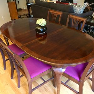 Antique dining room table with six chairs for Sale in Fuquay Varina, NC