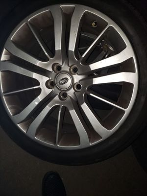 Photo Land Rover Range Rover sport stock rims/wheels and tires..