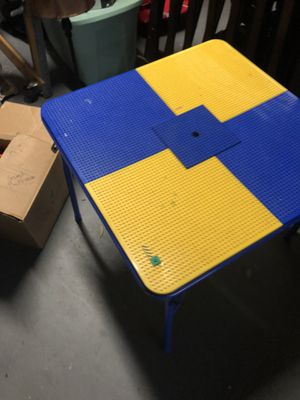 Photo Legos and lego table