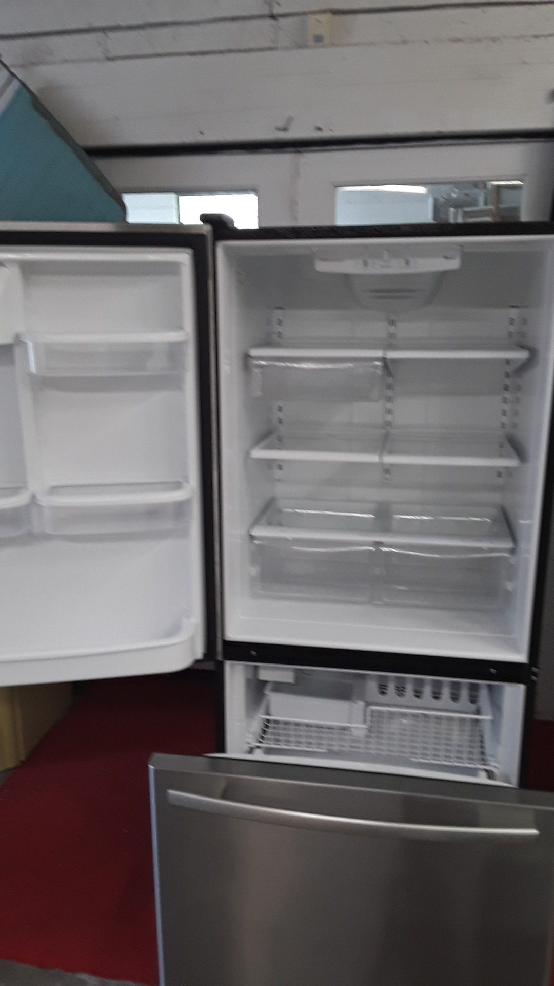 18 cubic foot bottom freezer Whirlpool stainless steel with ice maker