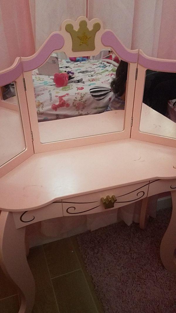 Girls Room Vanity For Sale In Hialeah Fl Offerup