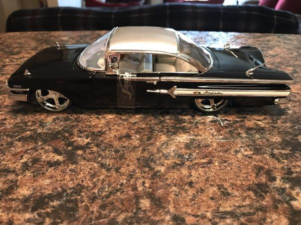 Jada Toys Dub City 1/24 Scale 1960 Chevy Impala w/Case for Sale in ...