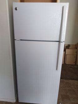 2018 model GE refrigerator Thumbnail