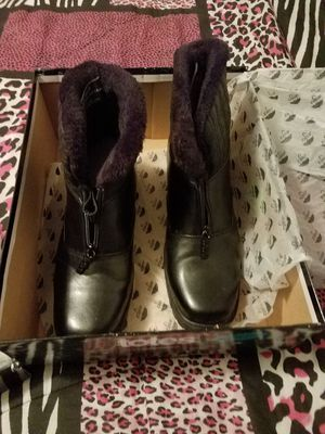 Brand new black totes boots size 10 for Sale in Detroit, MI
