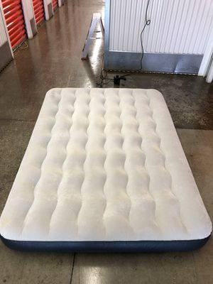 Nice Intex inflatable bed FULL size $45 for Sale in Gaithersburg, MD