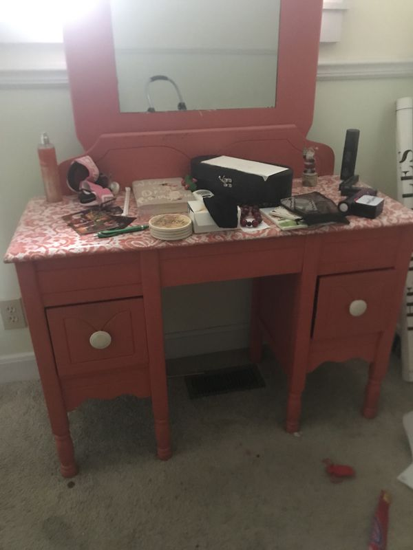 Vanity Children S Bedroom Set And Old Piano For In Belmont Nc Offerup