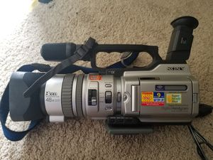 Sony DCR-VX2000 Camcorder - Metallic silver for Sale in Damascus, MD