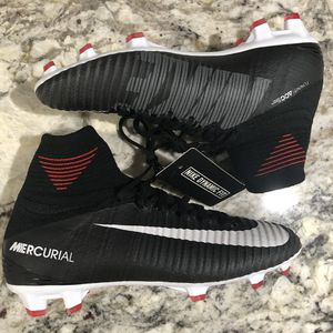 Nike Jr Mercurial Superfly ACC V DF Soccer Boots Cleat Size 4y 921526 002 MSRP $175 Size 4Y Women's Size 5.5 for Sale in Alexandria, VA