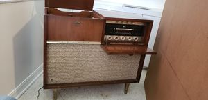 Antique radio and phone. for Sale in Orlando, FL