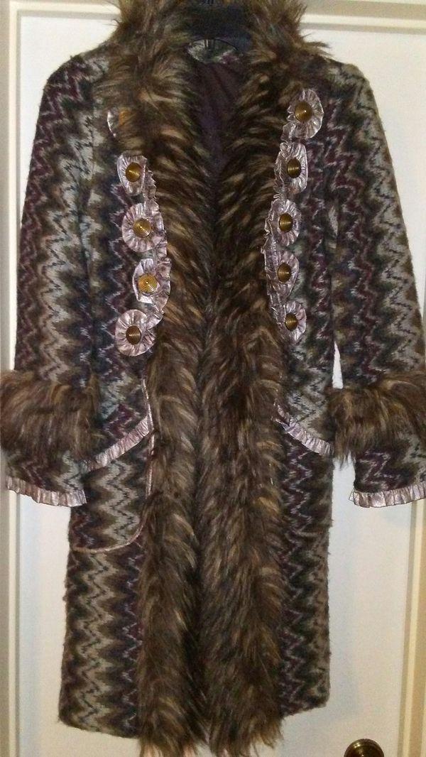 039cb31fdb Women Sweater Coat w. Faux Fur for Sale in San Antonio, TX - OfferUp