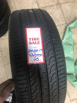 225/55R19 YOHOHAMA for Sale in Silver Spring, MD