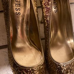 Super cute GUESS gold high heels Thumbnail
