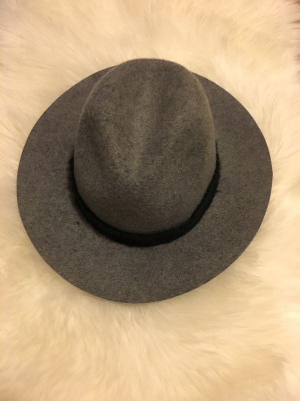 Zara Women s Gray Wool Hat. Size Small for Sale in Kent d217ad0dbda