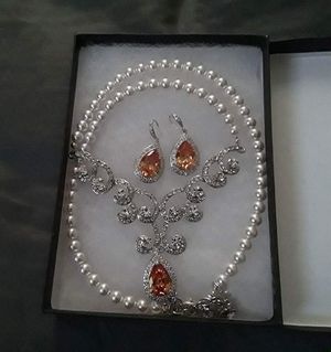 Wedding earring and necklace set for Sale in Louisa, VA