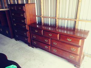 Stanley Solid Cherry Dresser Set for Sale in Orlando, FL
