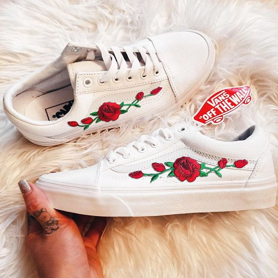 081242b1c379 Rose Buds Red Wht Unisex Custom Rose Embroidered-Patch Vans Old-Skool  Sneakers