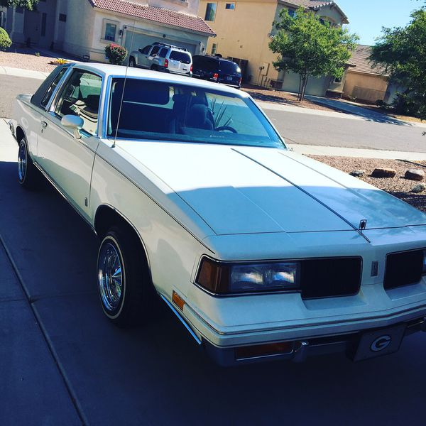 1987 Cutlas Saloon 13x7 Daytons Blue Interior Garage Kept