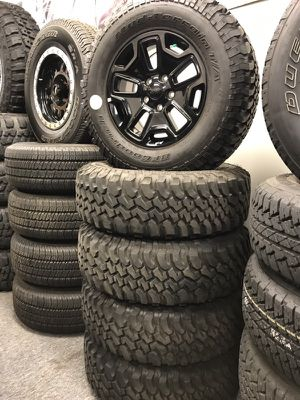 17 Rubicon Wheels and Tires with TPMS like new for Sale in Chicago, IL