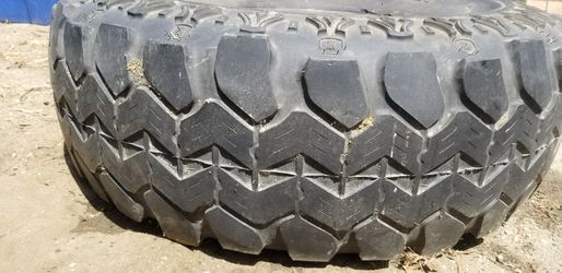 Radial super swamped tire Thumbnail