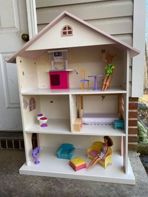 Photo Wooden Dollhouse/Bookcase w/Barbies and Furniture