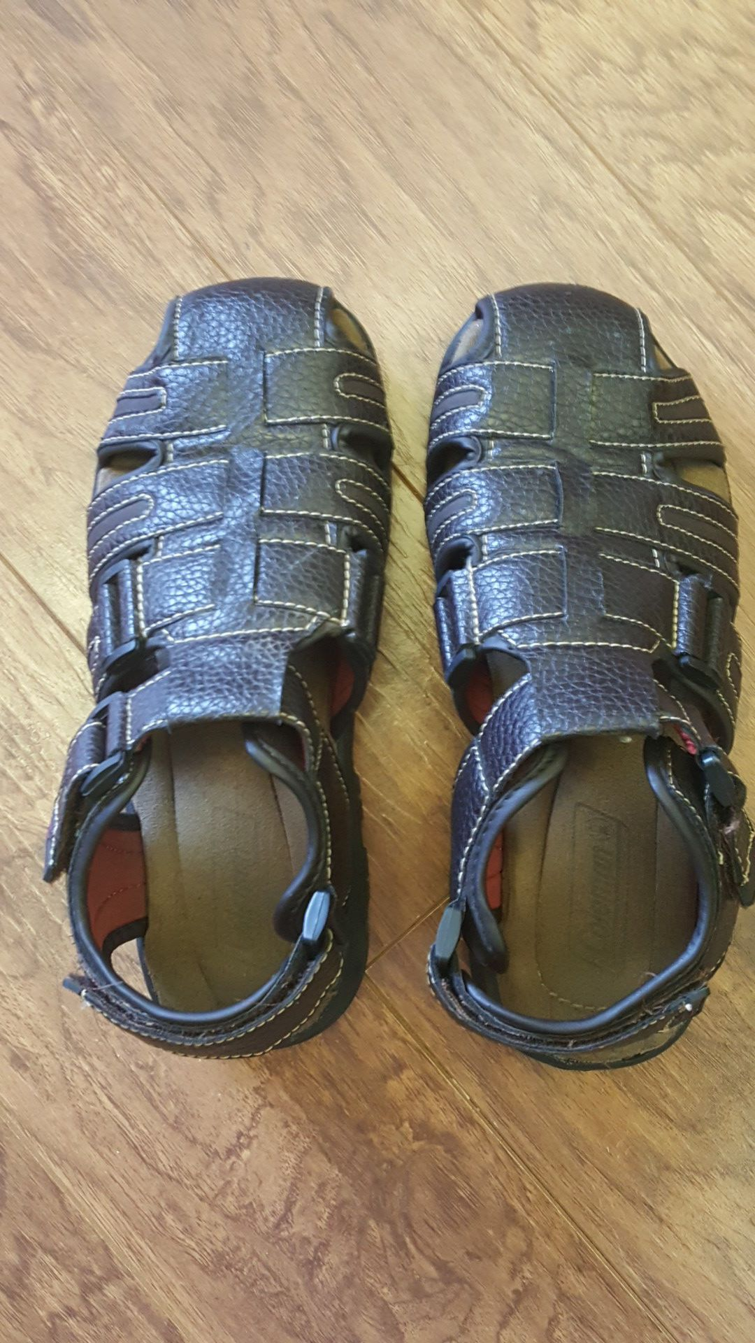 Mens Coleman sandals sz 7