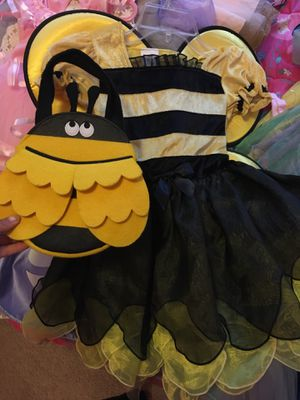 Bumble Bee costume comes w cute bag size 5t for Sale in Dallas, TX