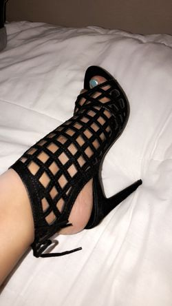 Woman's Heels size 6 Thumbnail
