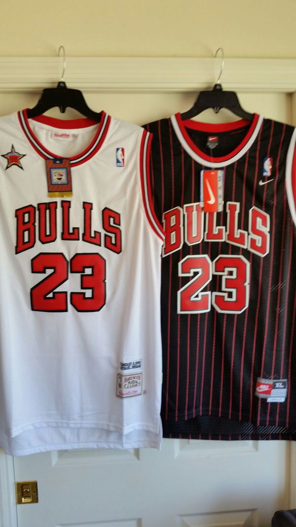 the latest 4fe07 fdff7 MICHAEL JORDAN THROWBACK JERSEY XL for Sale in Fort Lauderdale, FL - OfferUp