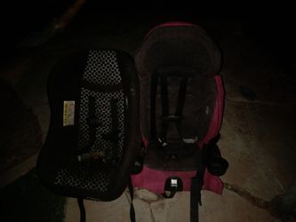 Carseat and playpin Thumbnail