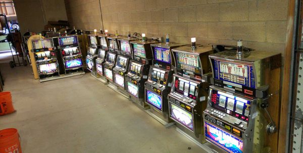 eb30ca7de Igt s2000 reel type slot machine sale for Sale in Bullhead City, AZ ...