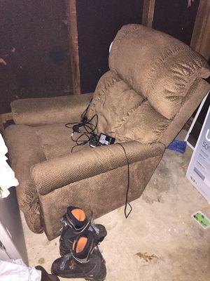 La-Z-Boy Pinnacle Electric Recliner Chair for Sale in Rockville, MD