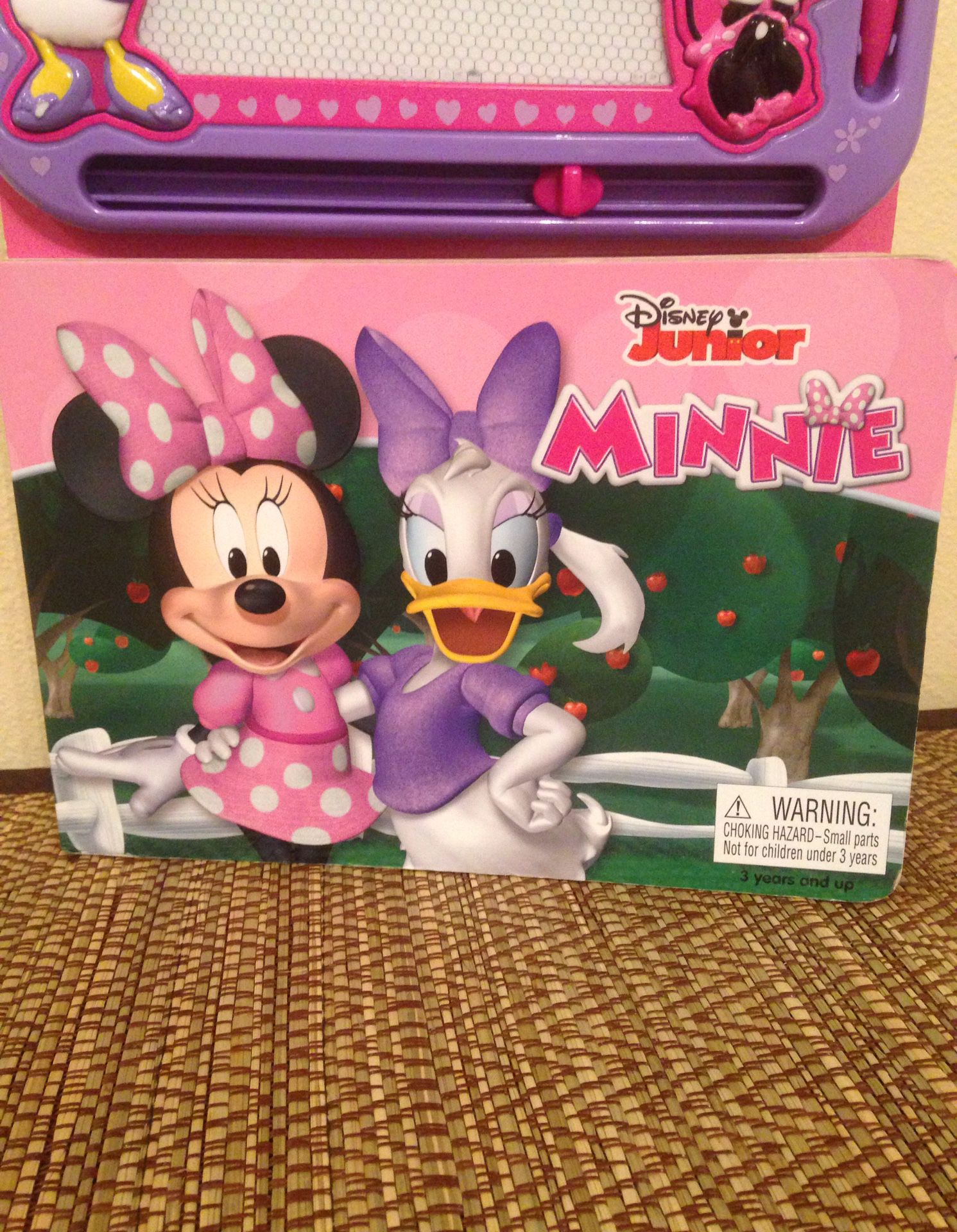 Disney Junior Minnie Book & Magnetic Pad W/magnetic Pen