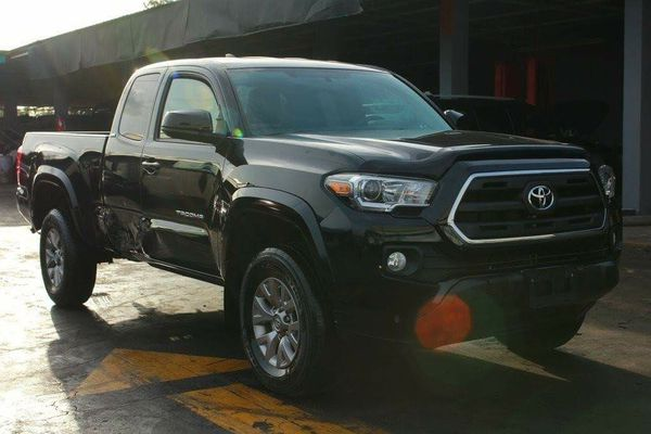2016 toyota tacoma 4x4 black for sale in miami fl offerup. Black Bedroom Furniture Sets. Home Design Ideas
