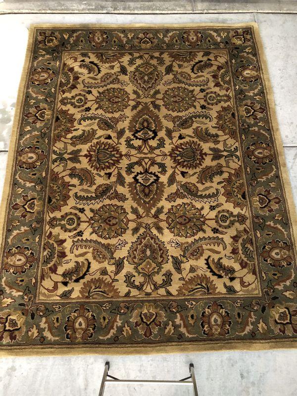 Authentic Persian rug made in istafahn. Genuwine